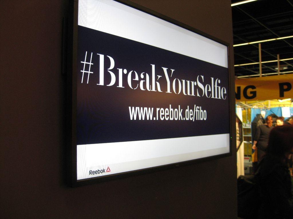 #breakyouselfie