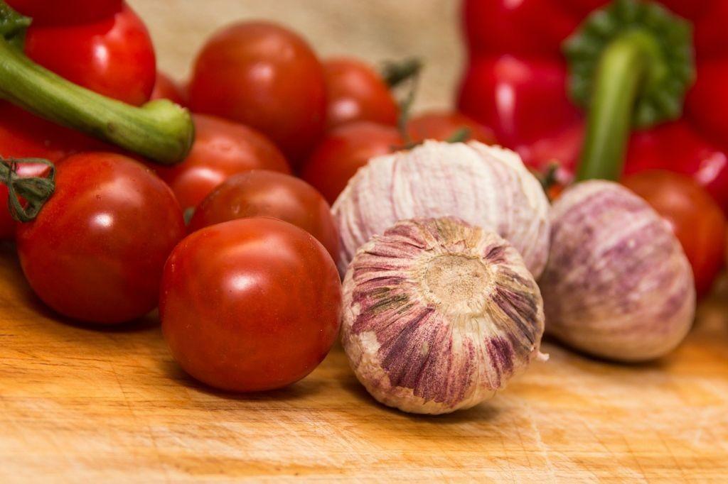 Tomatensuppe mit Schinkentartar